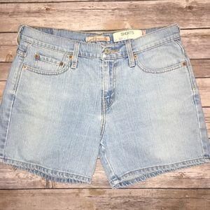 Levi's high rise faded denim shorts Sz 10